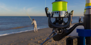 what size spinning reel for surf fishing